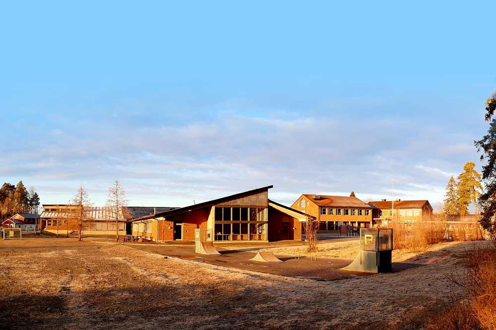 Foto av Korsgård skole i Askim